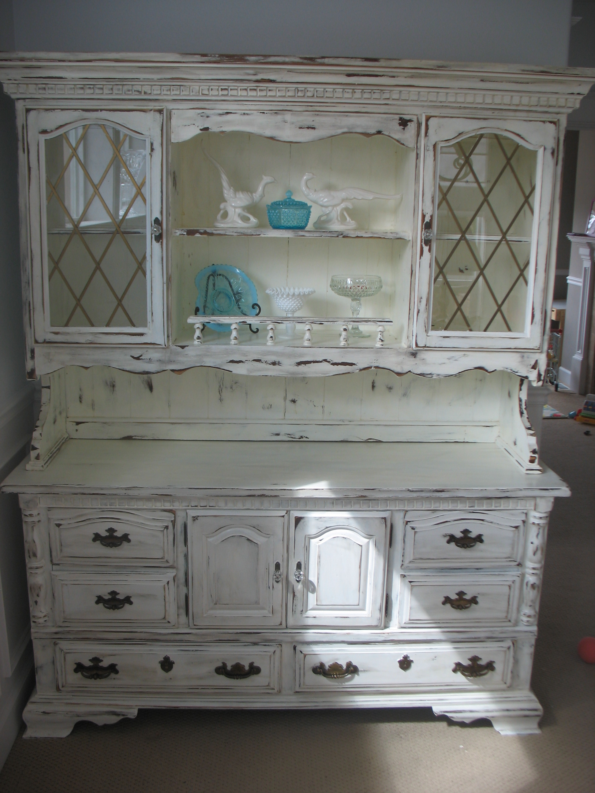 China hutch ladybird 39 s vintage for Shabby chic furniture