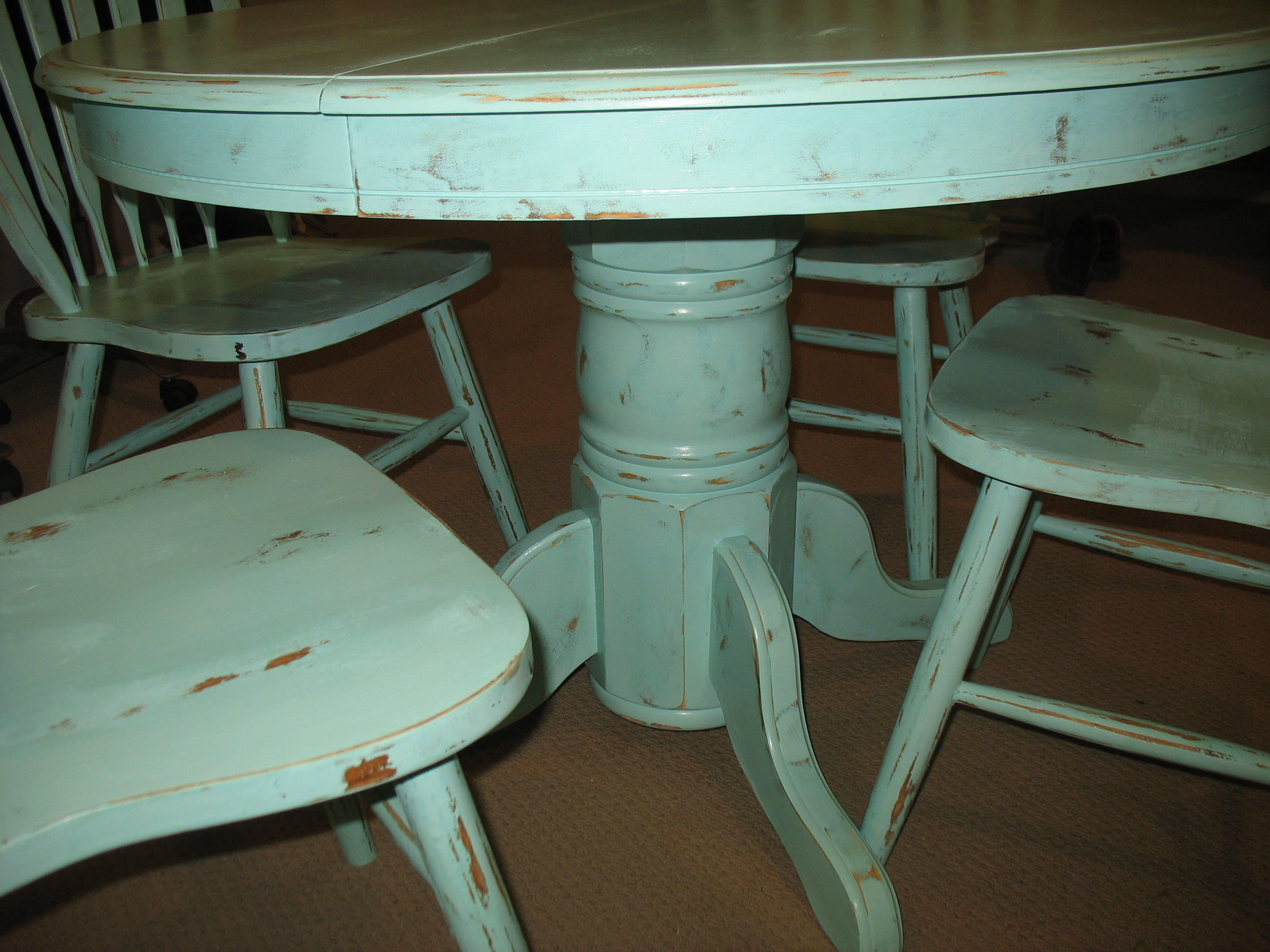distressed dining set Ladybirds Vintage : 003 from furniturefinishers.wordpress.com size 2592 x 1944 jpeg 1133kB